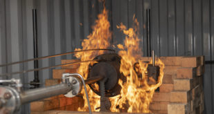 Eliminating corrosion risk in firesafe valves