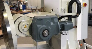 Servo gear motor ensures safe operation of mobile manipulator machine